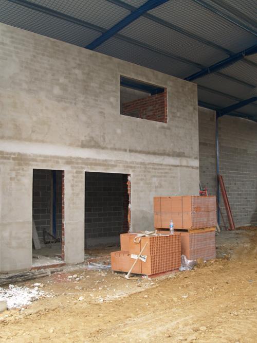 Constructora naves construcciones aglo fraga for Oficina i arxiu