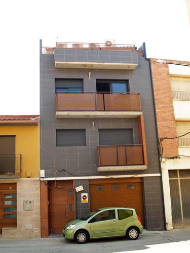 Vivienda unifamiliar plaza san jos constructora for Fachadas casas unifamiliares